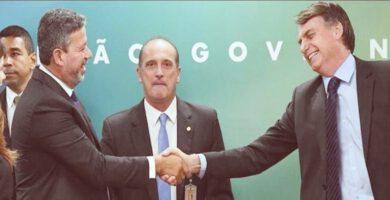 Bolsonaro deixa auxílio fora de lista